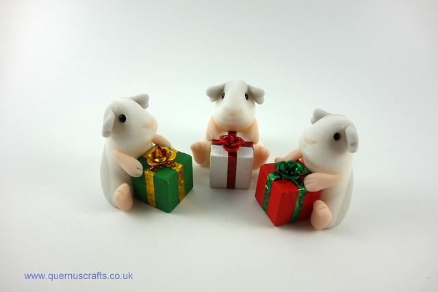 Little Guinea Pigs with Gifts