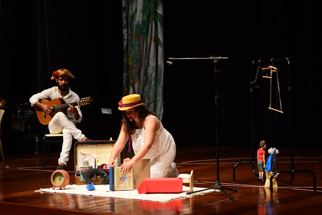 FLIC | Pequeno Teatro do Mundo