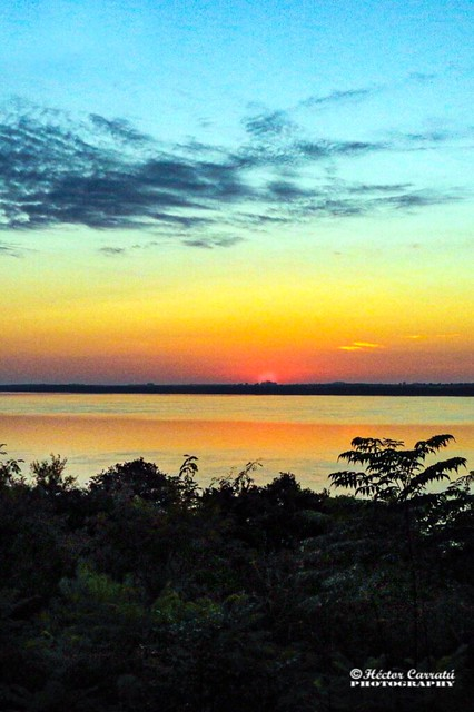 Amanece en el río Uruguay