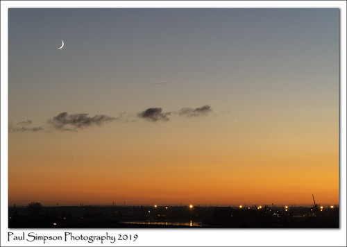 paulsimpsonphotography imagesof imageof photoof photosof sunset moon themoon sky dusk england evening eveningsky theskyatdusk newmoon autumn