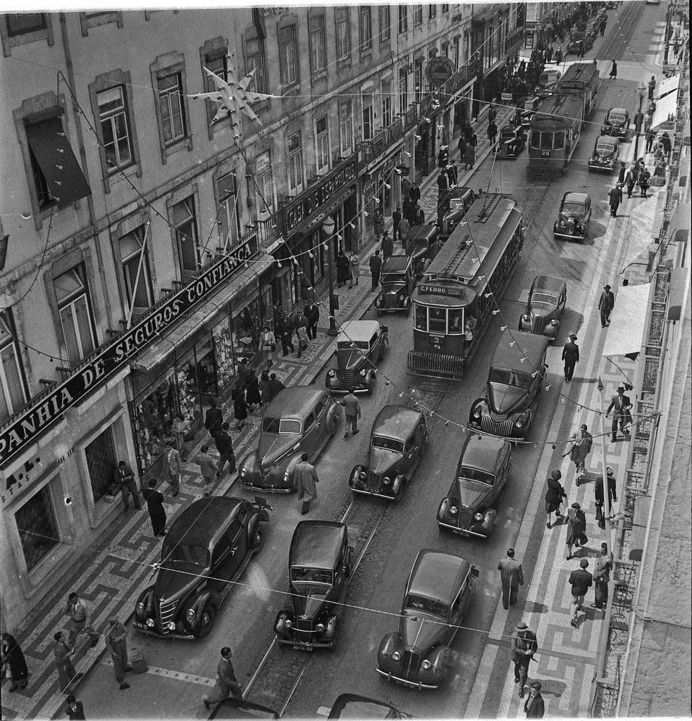 A Baixa na época de Natal, Rua do Ouro (J. Benoliel, 1939-46)
