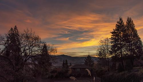 ashland oregon southern sunrise cascade mountain range silhouette trees morning al case landscape nikon d750 nikkor 24120mm f4g