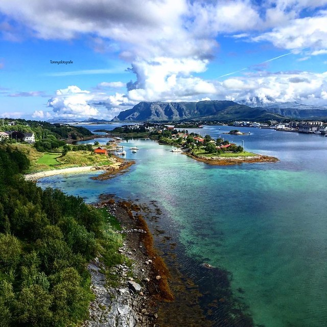 This is a older photo from me, but this week Visit Helgeland wanted it for publishing, I saw they did it in Instagram. Photo I took from the Bridge in Bronnøysund in Summer 2017