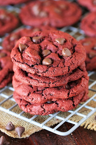 Red-Velvet-Chocolate-Chip-Cookies