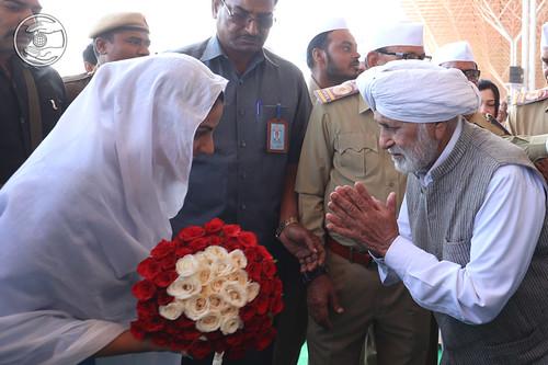 Flowery welcome by Roshan Minar Saint JS Khurana Ji