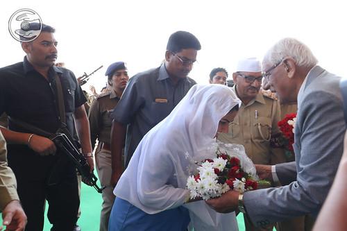 Flowery welcome by VD Nagpal Ji, Member Incharge Sewa Dal