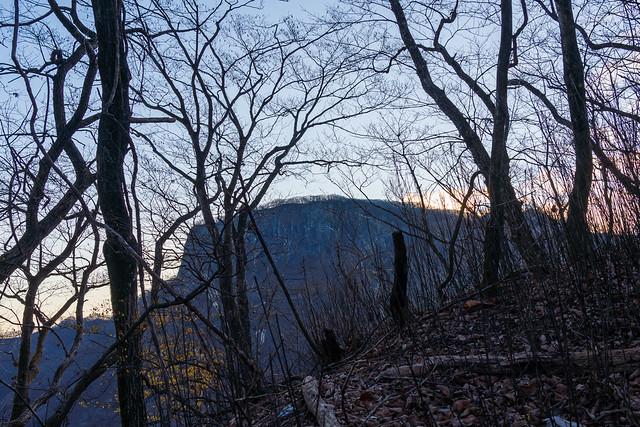 荒船山の岩壁