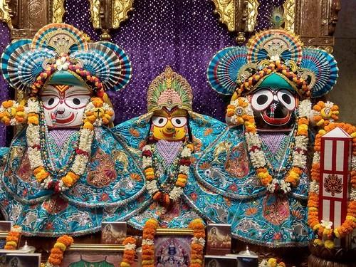 ISKCON Kolkata Deity Darshan 30 Nov 2019