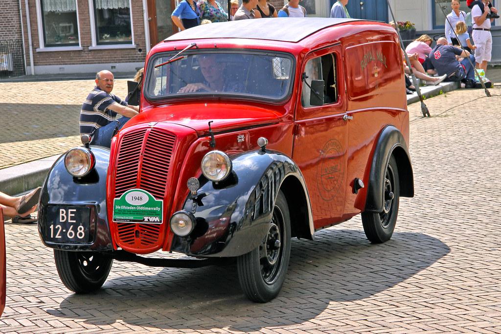 Morris Eight Commercial Van 1948 (0280)