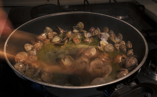 Cooking the clams