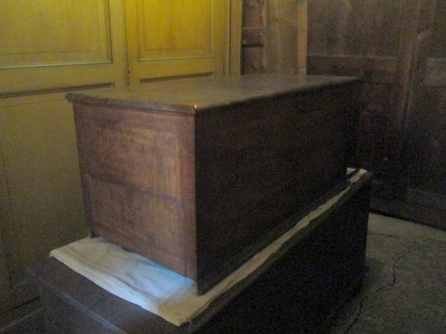 Chinese silk store chest