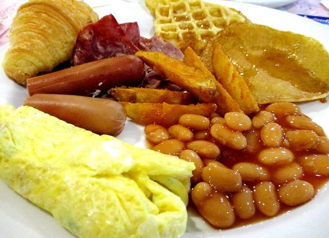 Mega Hotel Miri buffet breakfast 2