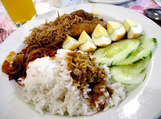 Mega Hotel Miri buffet breakfast 1