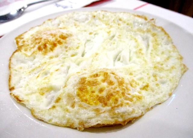 Mega Hotel Miri buffet breakfast fried eggs