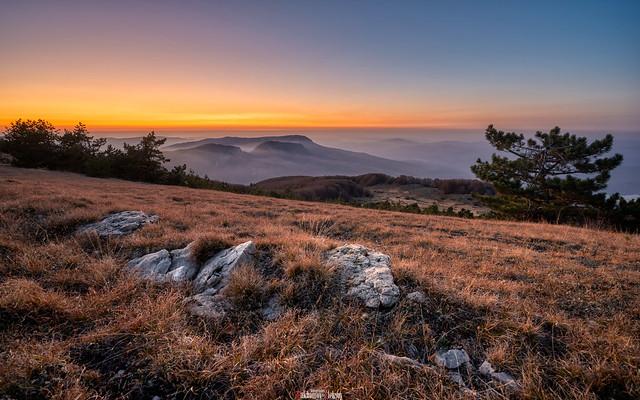 Mountain range Boyka at sunset