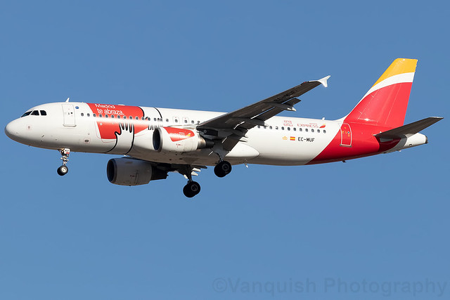 EC-MUF Iberia Express A320-200 Madrid te abraza Special Livery Madrid Barajas