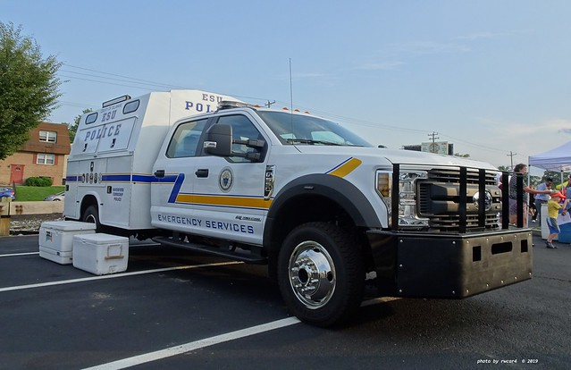 Haverford Township PA Police - SWAT - Ford F-550 Truck (1)