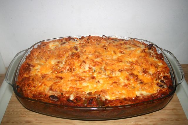 29 - Pasta bake with green pepper & beans - Finished baking / Nudelauflauf mit Paprika & Bohnen - Fertig gebacken
