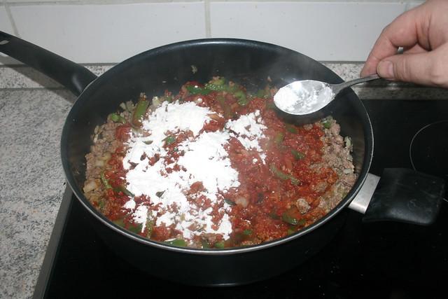 09 - Mit Mehl bestäuben / Dredge with flour