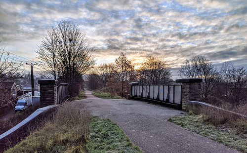 spen valley heckmondwike westyorkshire yorkshire lnwr new line railway railroad rail disused abandoned north england uk bridge railways sunrise dawn december 2019
