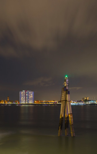 portsmouthharbour portsmouth harbourlights beacon towerblock nightlights