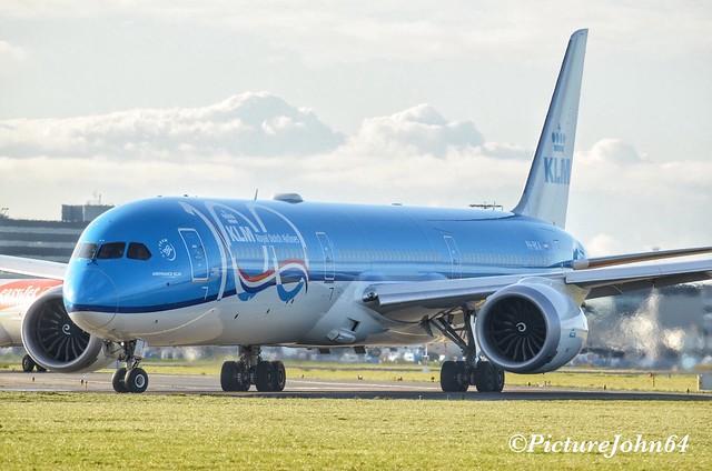 KLM Boeing 787-10 Dreamliner (PH-BKA) Anniversary Livery