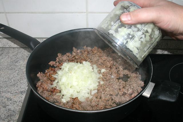 04 - Zwiebeln addieren / Add onion