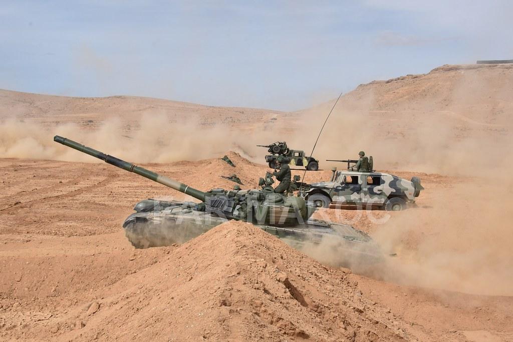 Chars T-72B/BK MArocains // Moroccan Army T-72B/BK Tanks - Page 2 49151550118_9bb74b3ca1_b