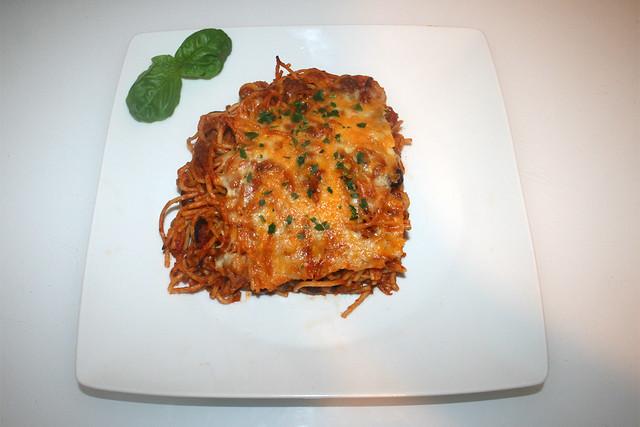 30 - Pasta bake with green pepper & beans - Served / Nudelauflauf mit Paprika & Bohnen - Serviert