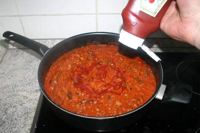 21 - Mit Ketchup abschmecken / Taste with ketchup