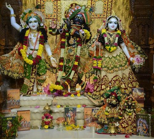 ISKCON GEV Deity Darshan 01 Dec 2019