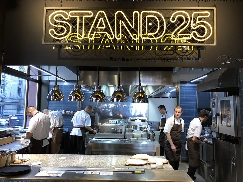 Budapestin ravintolavinkit, Stand 25 Bisztró