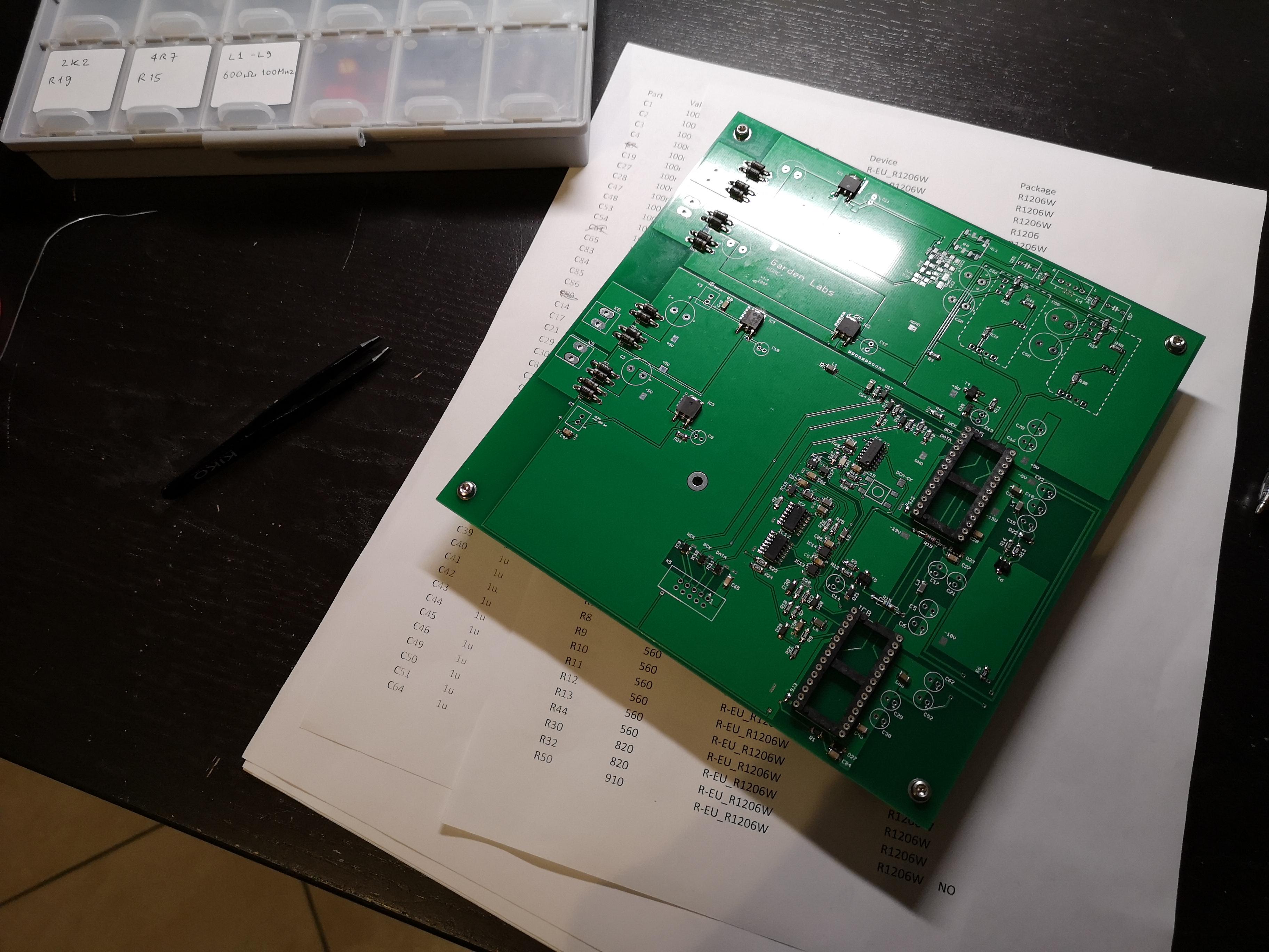 HDAC+ Assembliamo la scheda principale 49152415383_71fe79a3fc_o_d