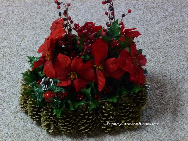 Christmas Centerpiece at FromMyCarolinaHome.com