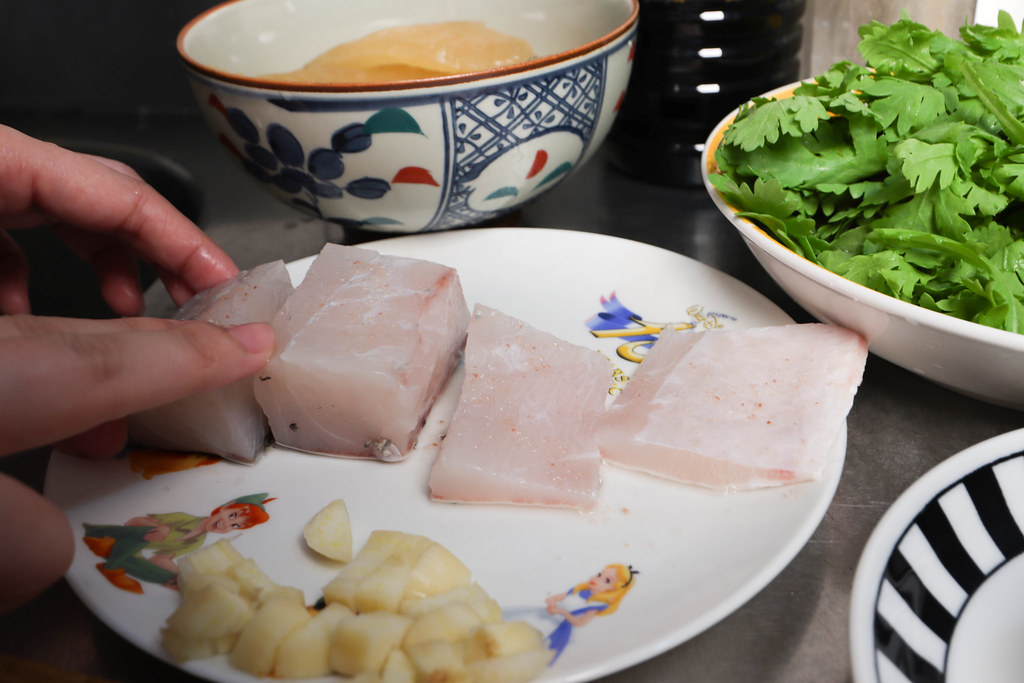 金目鱸魚排 切塊擺盤