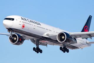 Air Canada 777