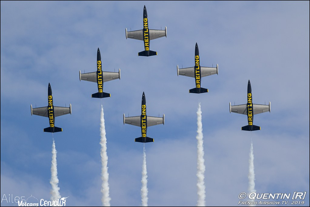 Breitling Jet Team derniere demonstration patrouille acrobatique civile Apache Aviation Ailes et Volcans Issoire Puy-de-Dôme Cervolix Canon Sigma France contemporary lens Meeting Aerien 2019