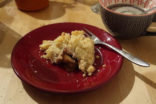 Crumble mit Äpfeln, Birnen und Zimt zum Kaffee (mein Teller)