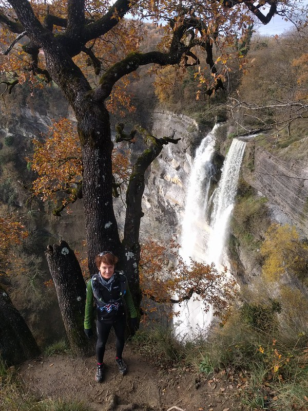 Vista desde arriba de la Cascada de Gujuli