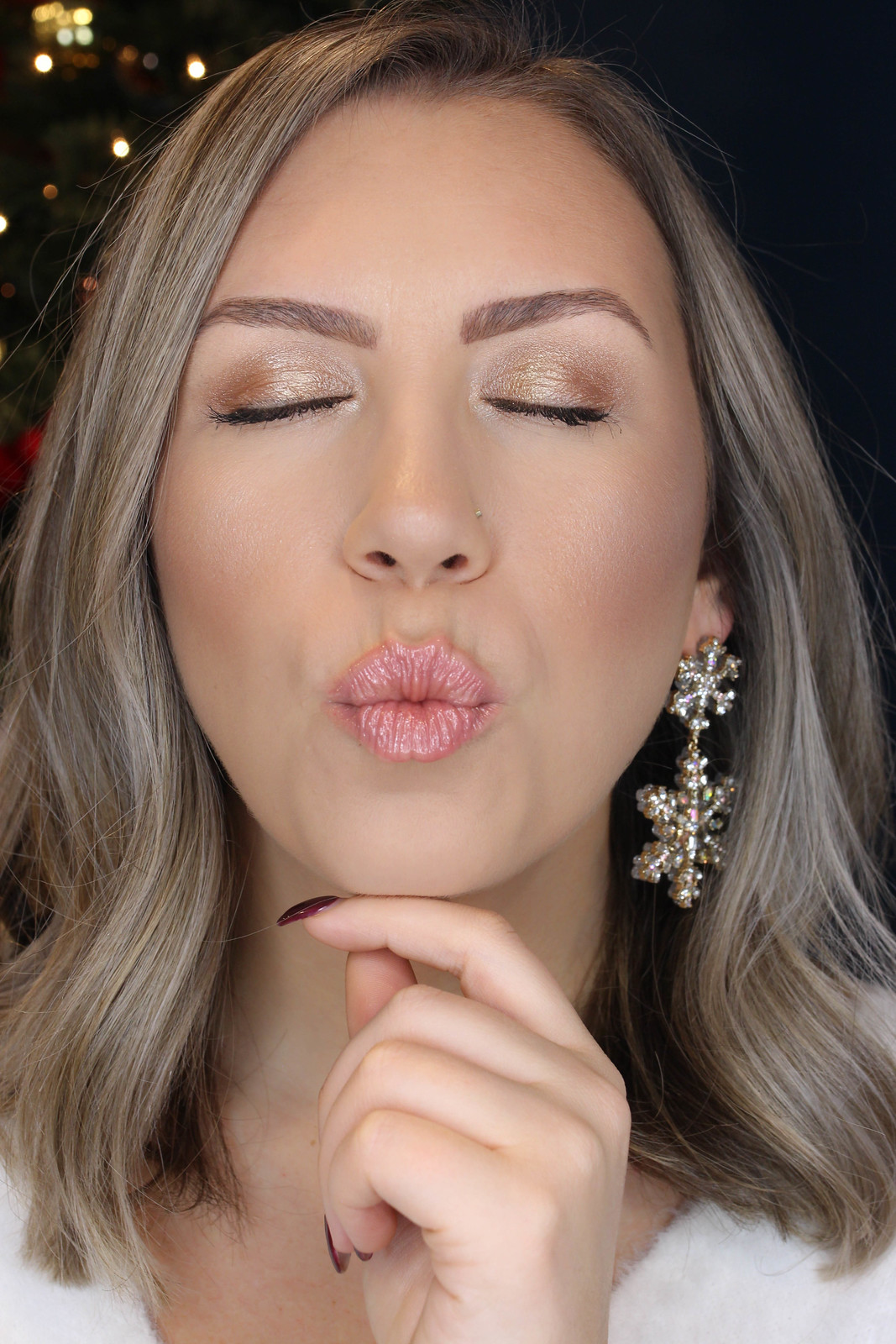 Easy Neutral Holiday Makeup Tutorial