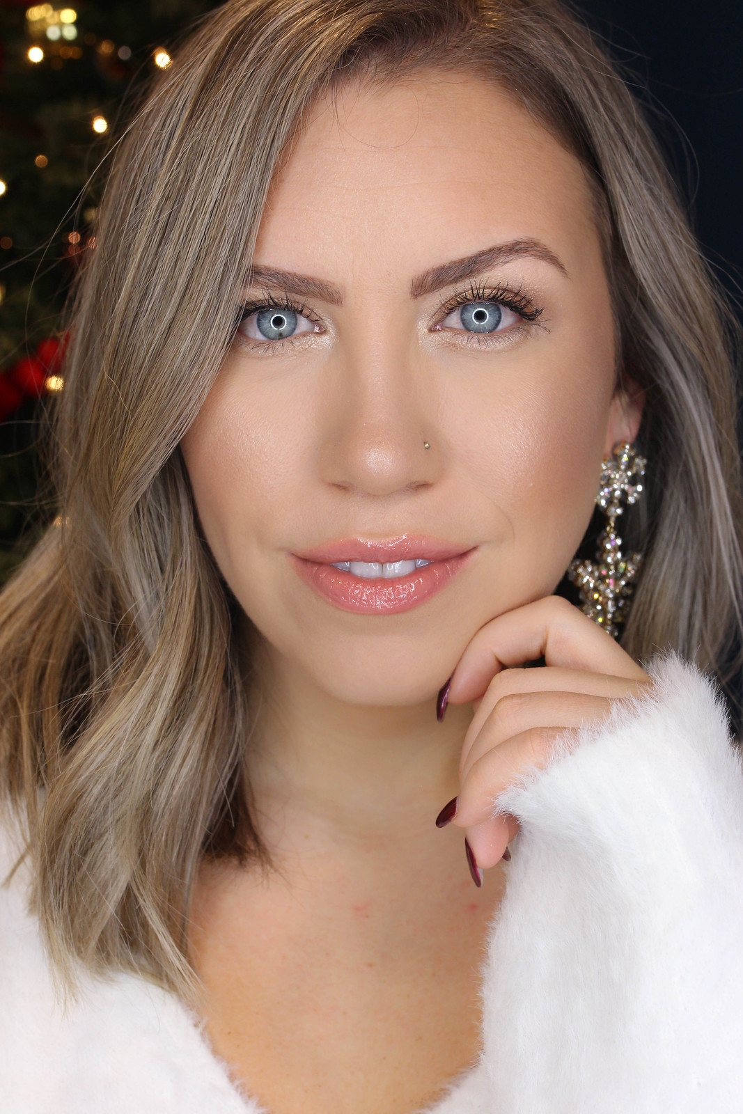 Easy to Recreate Shimmery Holiday Makeup Tutorial Wearable Holiday Makeup