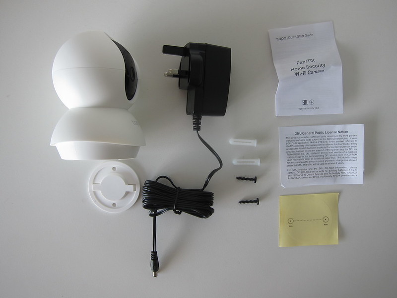 TP-Link Tapo C200 Wi-Fi Camera - Box Contents
