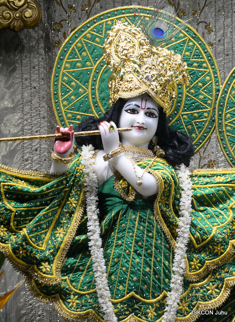 ISKCON Juhu Mangal Deity Darsan on 2nd Dec 2019