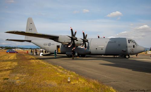 Royal Canadian Air Force (RCAF) / Lockheed Martin CC-130J Hercules / 130609 / YXX Airport