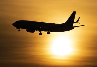 Westjet / Boeing 737-8CT / C-FKRT / YVR