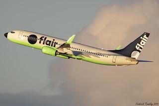 Flair Airlines / Boeing 737-86N / C-FFLA / YVR