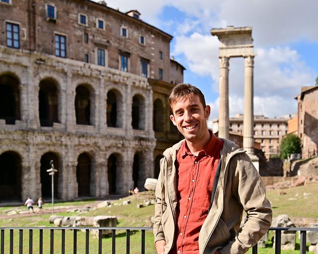 Teatro di Marcelo en Roma y el templo de Apolo al fondo