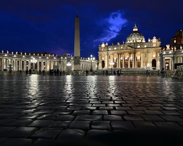 Hora mágica en el Vaticano
