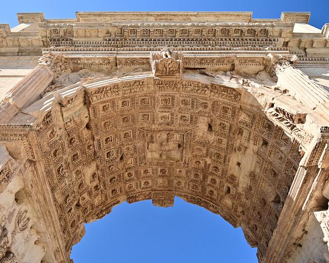 Arco de Tito en los foros romanos