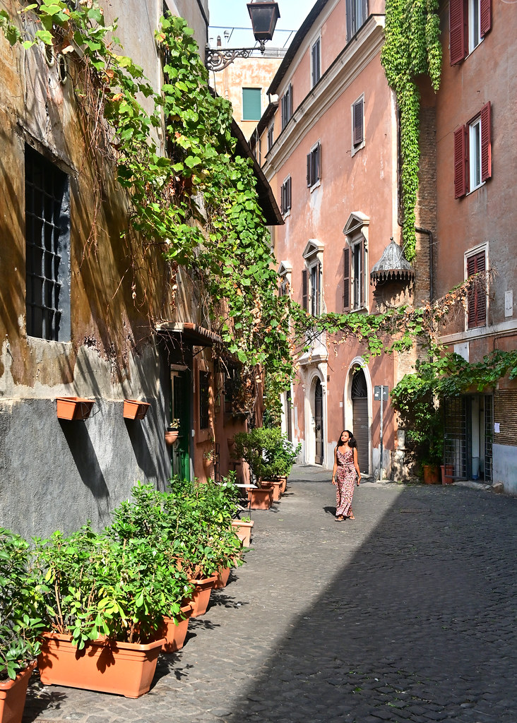 Via in Piscinula del Trastevere